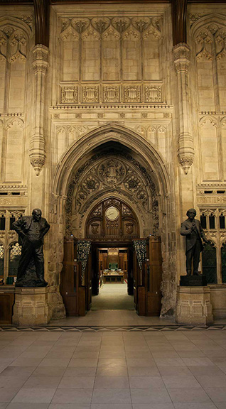 IMG_1428-Commons-from-Members-Lobby-with-Churchill